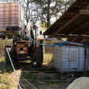 IBC-Container wird mit Wasser befüllt